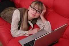 Bedrijfs vrouw en laptop Stock Fotografie
