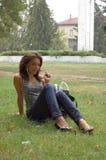 Bedrijfs vrouw met glazen Stock Afbeeldingen