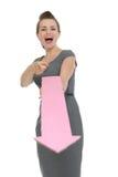 Bedrijfs vrouw met het grote pijl richten in camera Stock Foto