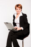 Bedrijfs vrouw met laptop stock foto