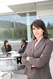 Bedrijfs Vrouw met Team Royalty-vrije Stock Foto's
