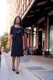 Bedrijfs Vrouw op Straat royalty-vrije stock fotografie