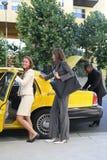 Bedrijfs Vrouw in Taxi Stock Foto