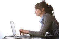 Bedrijfs vrouwen modern bureau Stock Foto's