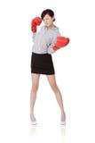 Bedrijfs vrouwenstrijd stock foto's