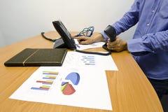 Bedrijfs werkplaats (telefoon, document, boek, nota) Royalty-vrije Stock Foto