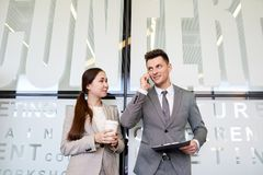 Bedrijfscollega's bij Koffiepauze royalty-vrije stock foto's
