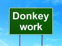 Bedrijfsconcept: Het ezelswerk aangaande verkeerstekenachtergrond Stock Foto