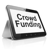 Bedrijfsconcept: Menigte Financiering op de computer van tabletpc Stock Foto's