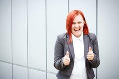 Bedrijfsconcept succes Ernstige Succesvolle Vrouwenchef-kok, in a royalty-vrije stock foto