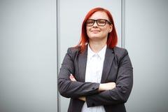 Bedrijfsconcept succes Ernstige Succesvolle Vrouwenwerkgever, in a royalty-vrije stock fotografie
