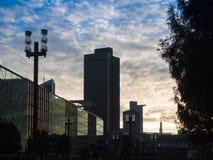 Bedrijfsgebouwen bij zonsopgang in Frankfurt, Duitsland Royalty-vrije Stock Afbeelding