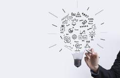 Bedrijfsgrafiek met gloeilampenconcept voor idee, innovatie Stock Afbeelding