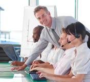 Bedrijfsleider in een call centre Royalty-vrije Stock Afbeeldingen