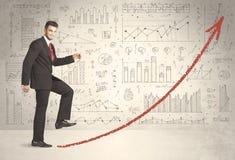 Bedrijfsmens die op het rode concept van de grafiekpijl beklimmen Stock Foto