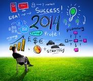 Bedrijfsmens die winst voor succes in 2014 kijken Royalty-vrije Stock Foto's