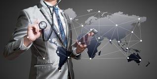 Bedrijfsmens met stethoscoop, bedrijfsanalyseconcept stock afbeelding
