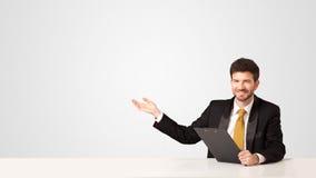 Bedrijfsmens met witte achtergrond Stock Foto
