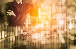 Bedrijfsmens op digitale backgro van de effectenbeurs financiële indicator Stock Afbeeldingen