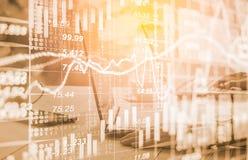Bedrijfsmens op digitale backgro van de effectenbeurs financiële indicator Royalty-vrije Stock Afbeeldingen