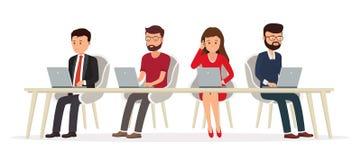 Bedrijfsmensen achter een bureau die aan laptop werken stock illustratie