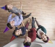 Bedrijfsmensen die in Bureau dansen Stock Afbeeldingen