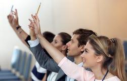 Bedrijfsmensen die een conferentie hebben Royalty-vrije Stock Foto
