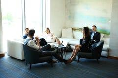 Bedrijfsmensen die het Collectieve Concept van de Conferentiebespreking ontmoeten royalty-vrije stock fotografie