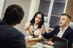 Bedrijfsmensen die het Collectieve Concept van de Conferentiebespreking ontmoeten, Stock Afbeelding
