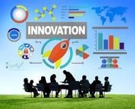 Bedrijfsmensen die het Succesinnovatie ontmoeten van de Creativiteitgroei Stock Afbeeldingen