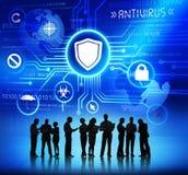 Bedrijfsmensen en Antivirus Concepten die werken royalty-vrije stock afbeeldingen