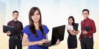 Bedrijfsmensen en moderne technologie Royalty-vrije Stock Fotografie