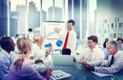 Bedrijfsmensen en Succesconcepten die werken Stock Foto's