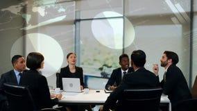 Bedrijfsmensen op een vergadering stock footage