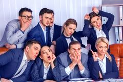 Bedrijfsmensenbureau De teammensen zijn ongelukkig met hun leider Stock Foto
