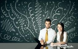 Bedrijfspaar met krullende lijnen en pijlen Royalty-vrije Stock Afbeelding