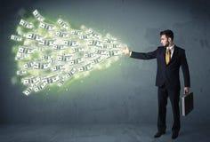 Bedrijfspersoon die heel wat concept van dollarrekeningen werpen Stock Afbeeldingen