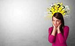Bedrijfspersoon met vraagtekens royalty-vrije stock afbeeldingen