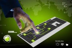 Bedrijfspersoon wat betreft digitaal toetsenbord Stock Foto's