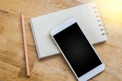 Bedrijfsprestaties en mobiele communicatiemiddelen hulp met sneller royalty-vrije stock foto