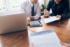 Bedrijfssituatie, het concept van het baangesprek Stock Fotografie