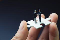 Bedrijfssuccesstrategie met samenwerking, groepswerk of negoti stock foto's