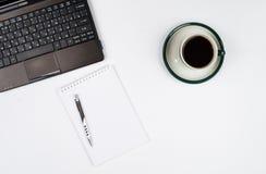 Bedrijfsvoorwerpen op een wit achtergrond of een bureau Stock Afbeelding