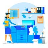 Bedrijfsvrouw die exemplaarmachine of drukmachine met gestapelde stapel van dossierdocumenten met behulp van Vector illustratie Royalty-vrije Stock Foto's