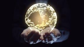 Bedrijfsvrouw die mondiaal digitaal net in hand houden Bedrijfs communicatie en technologieconcept stock videobeelden