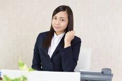 Bedrijfsvrouw die van het succes genieten royalty-vrije stock foto
