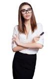 Bedrijfsvrouw in glazen met zwarte die teller op witte achtergrond wordt geïsoleerd Royalty-vrije Stock Foto's