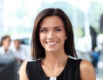 Bedrijfsvrouw in het bureau Stock Fotografie