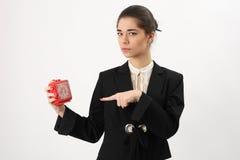 Bedrijfsvrouw met alarm in zijn hand stock afbeeldingen