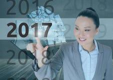 Bedrijfsvrouw op 3D digitaal geproduceerde achtergrond wat betreft 2017 Stock Foto's